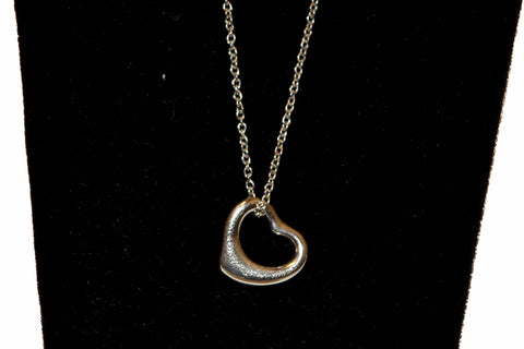 Authentic Tiffany & Co. Peretti Platinum Mini Open Heart Pendant Necklace 14.25