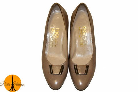 Authentic Salvatore Ferragamo Taupe Leather Pumps Size 6.5C