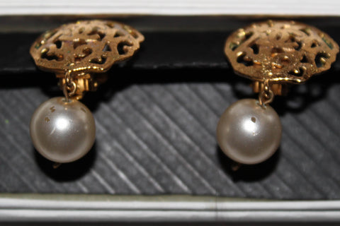 Authentic Chanel Vintage CC Gold Plated Pearl Drop Clip On Earrings