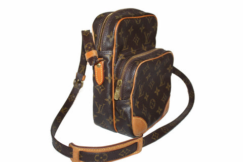 Authentic Louis Vuitton Classic Monogram Amazon Camera Case Crossbody Bag