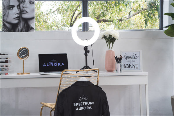 How To Use A Spectrum Aurora Ring Light