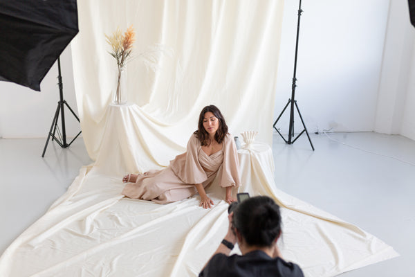 Cotton Muslin vs. Seamless Paper Backdrops for Photography: Which One is Right for You?