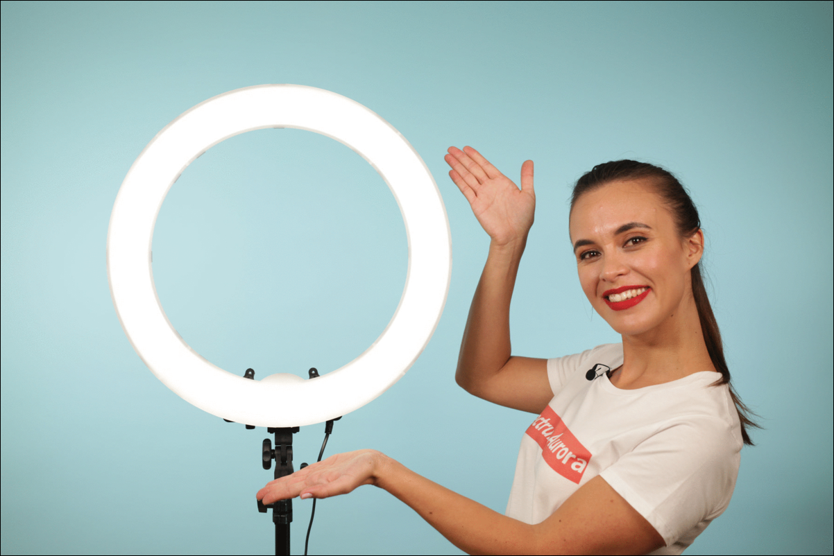 creating tutorials with a ring light and a stand