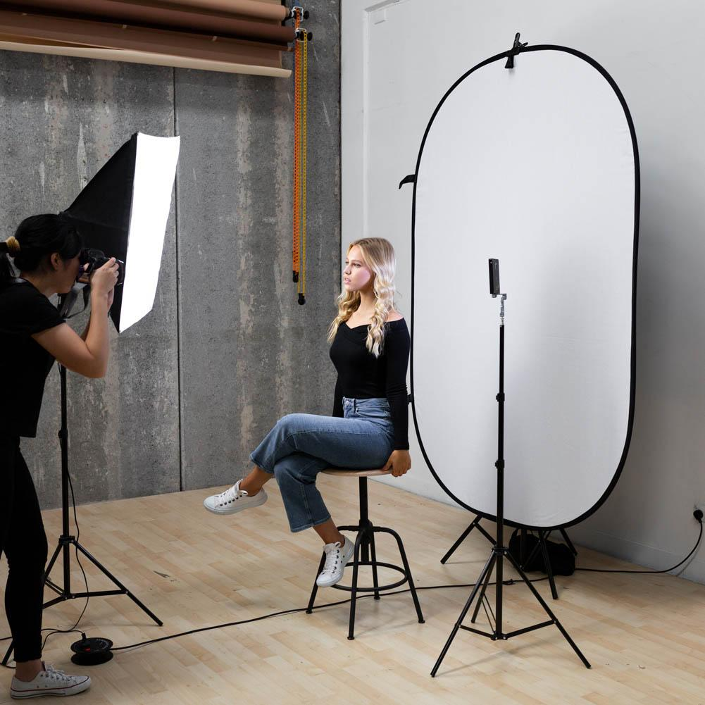 White / Black Collapsible Pop Up Backdrop with Stand & Peg Kit (1.5 x 2.1M)