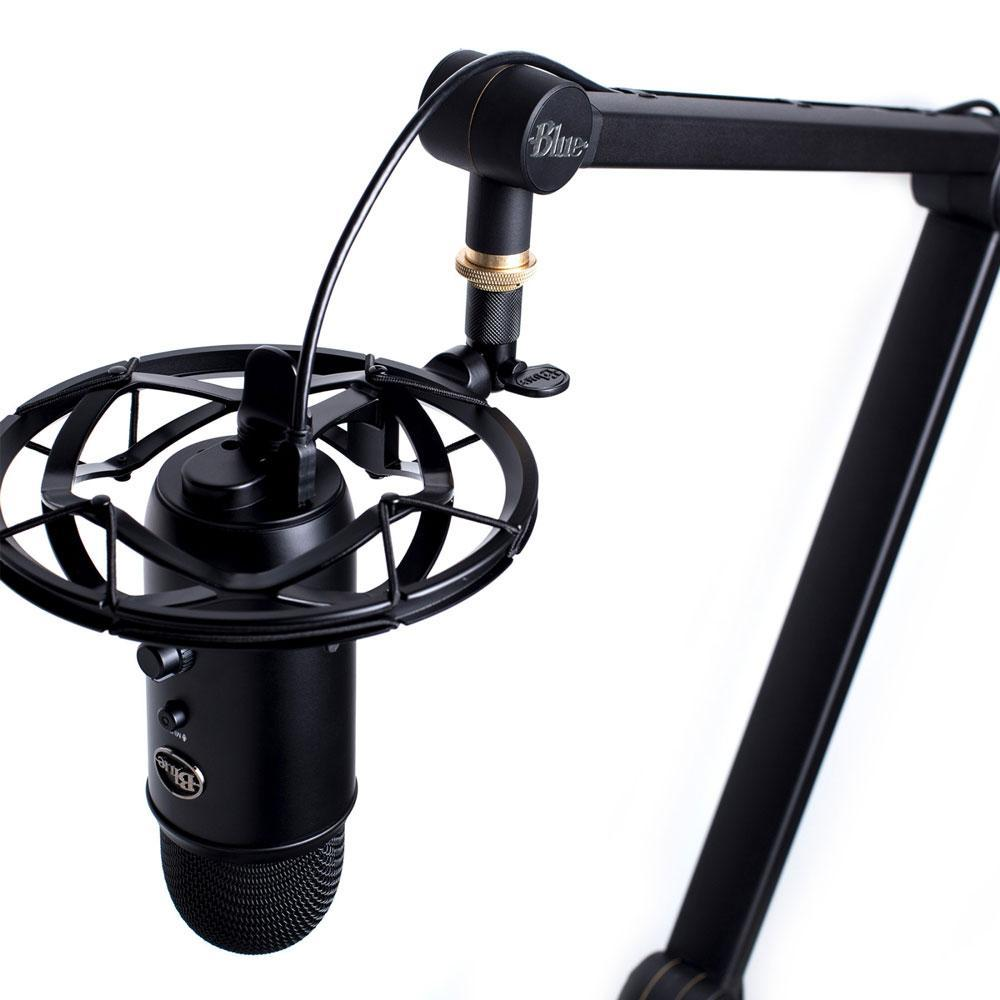 Blue Yeti Yeticaster Microphone Bundle