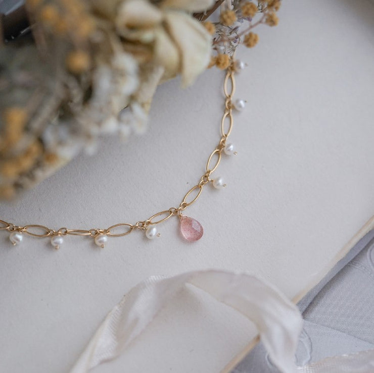 STRAWBERRY QUARTZ PEARLY BRACELET