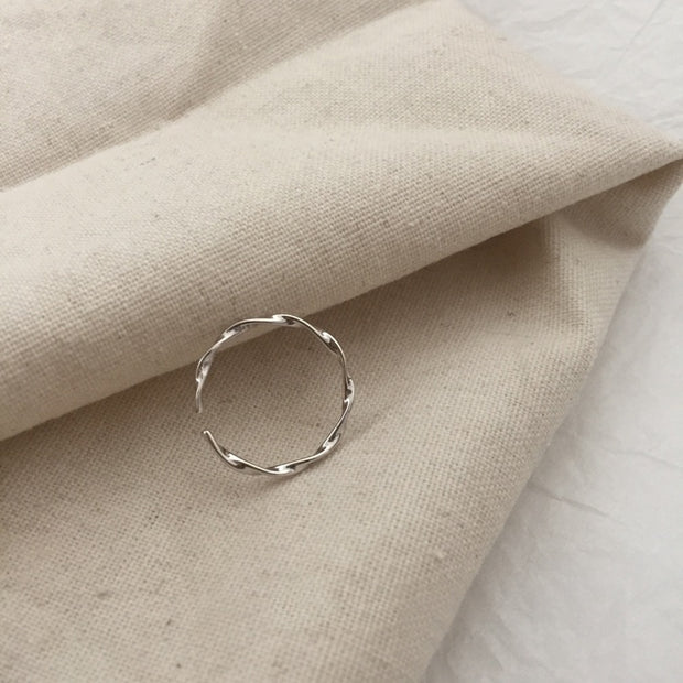 CLASSIC WAVES RING