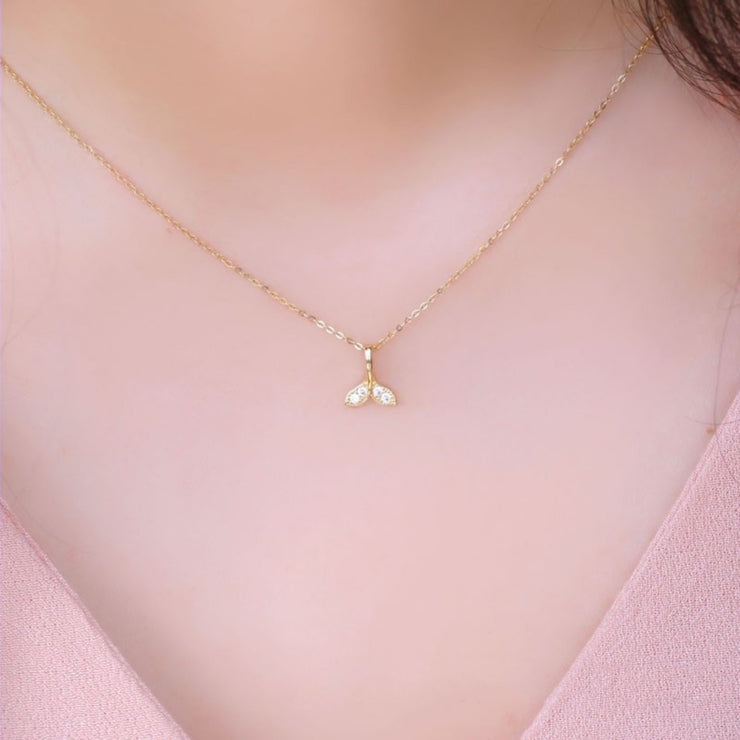 DOLPHIN TAIL NECKLACE [14 CT GOLD]