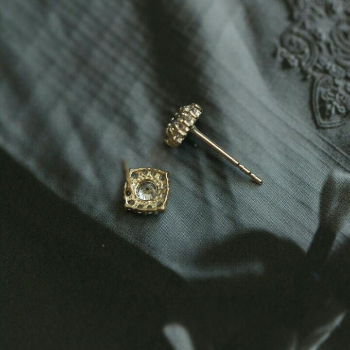 FORBIDDEN PALACE STUDS (9K GOLD)