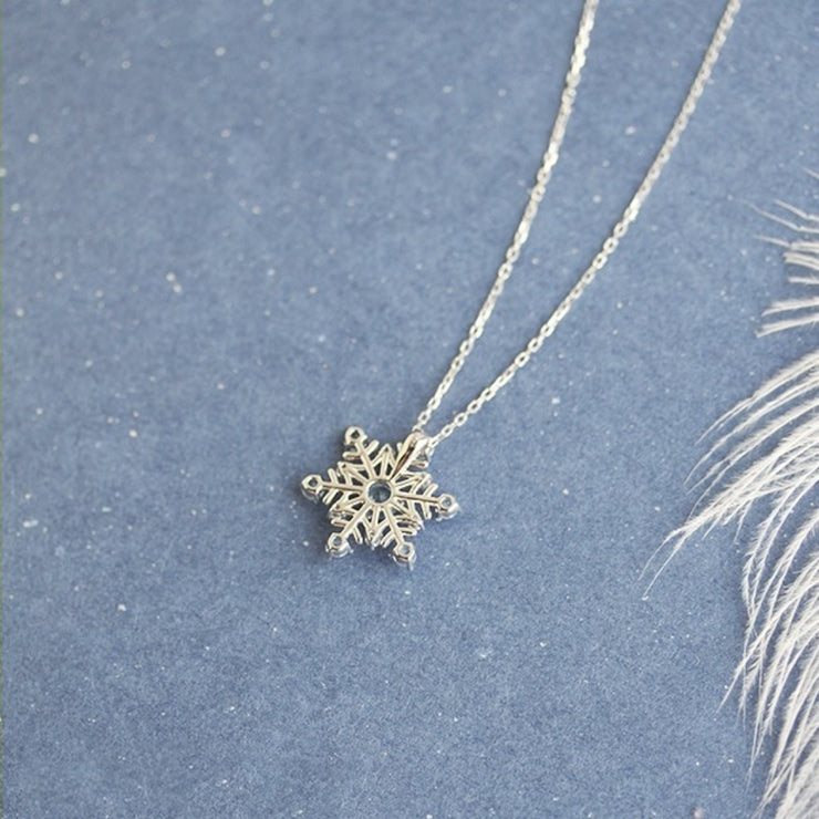 FIRST SNOW NECKLACE