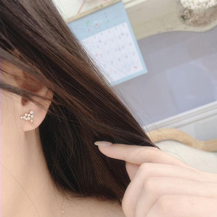 STARS IN THE SKY EAR CUFF