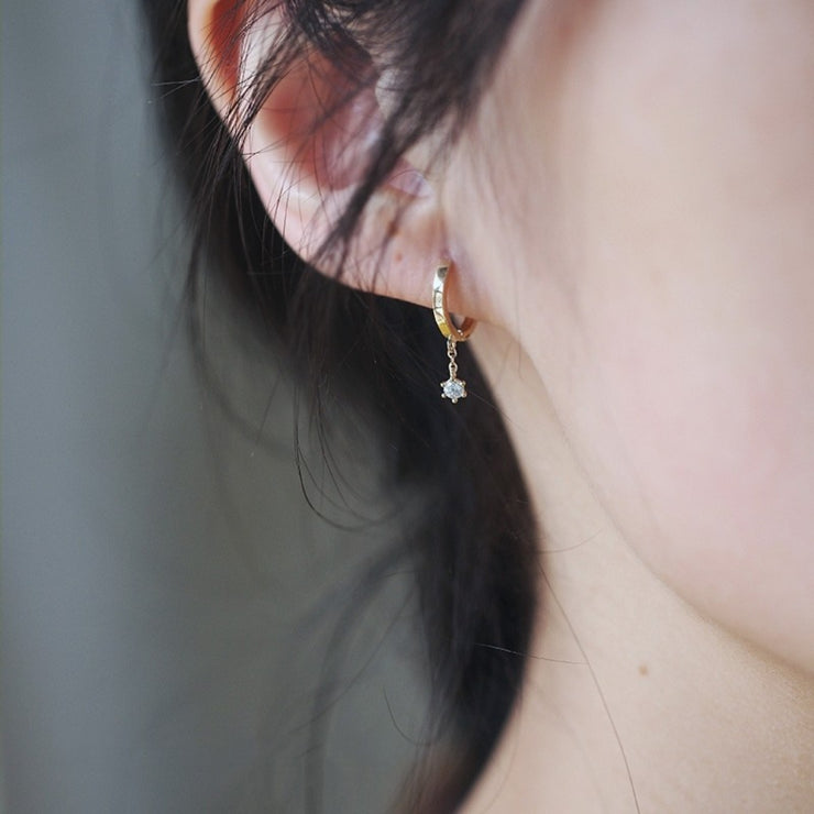 STAND ALONE EARRINGS (9K GOLD)
