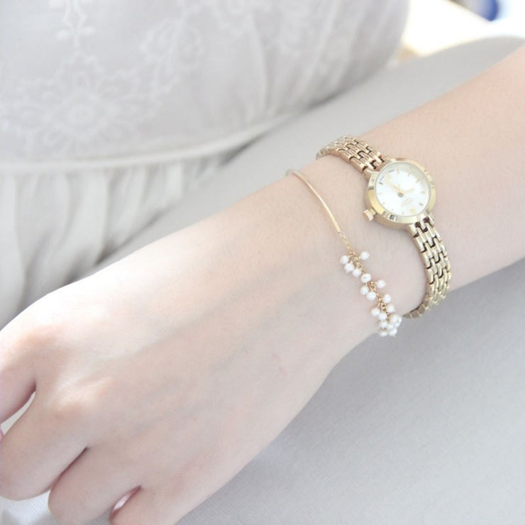 DAINTY PEARL BANGLE