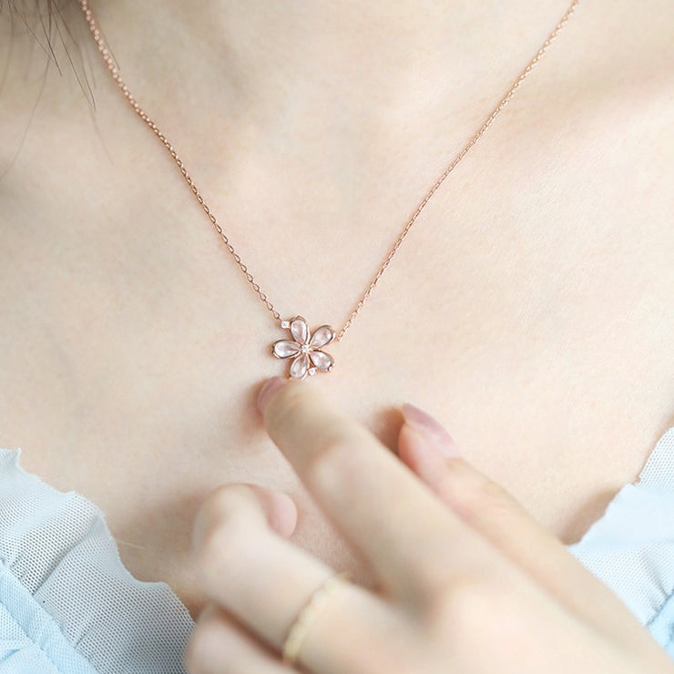 PINK QUARTZ BLOOMING FLOWER NECKLACE