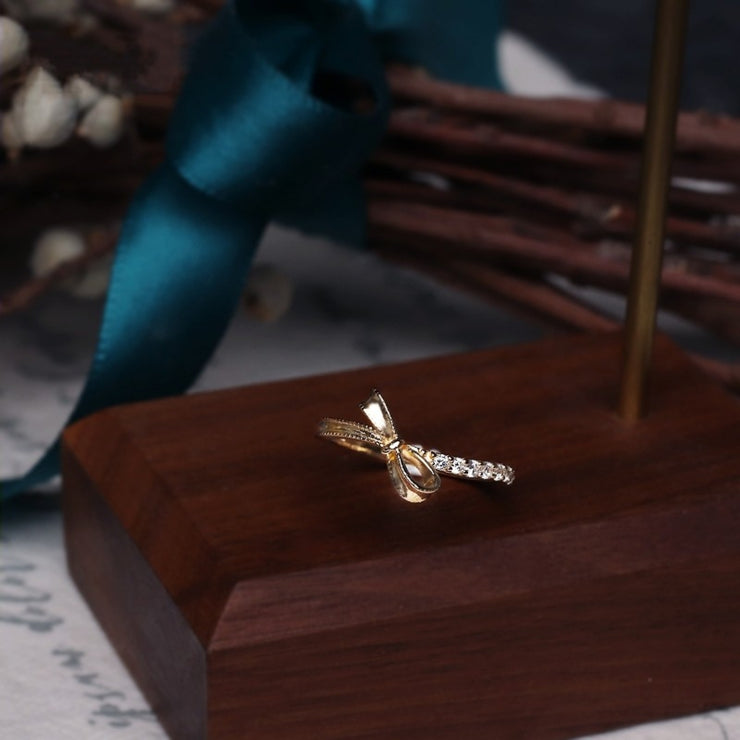 RIBBON OF HOPE RING
