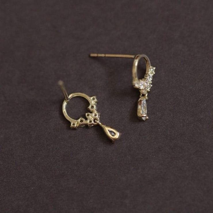 CIRCLE OF LIFE EAR STUDS (9K GOLD)