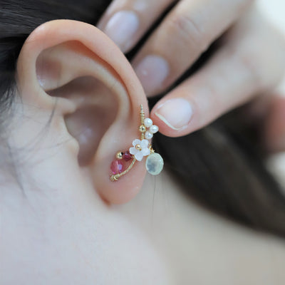 DANGLING WHITE SAKURA FLOWER EARRINGS