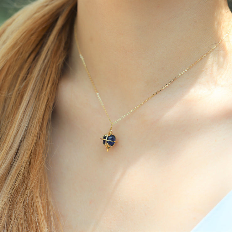 GALAXY NECKLACE (9K GOLD)