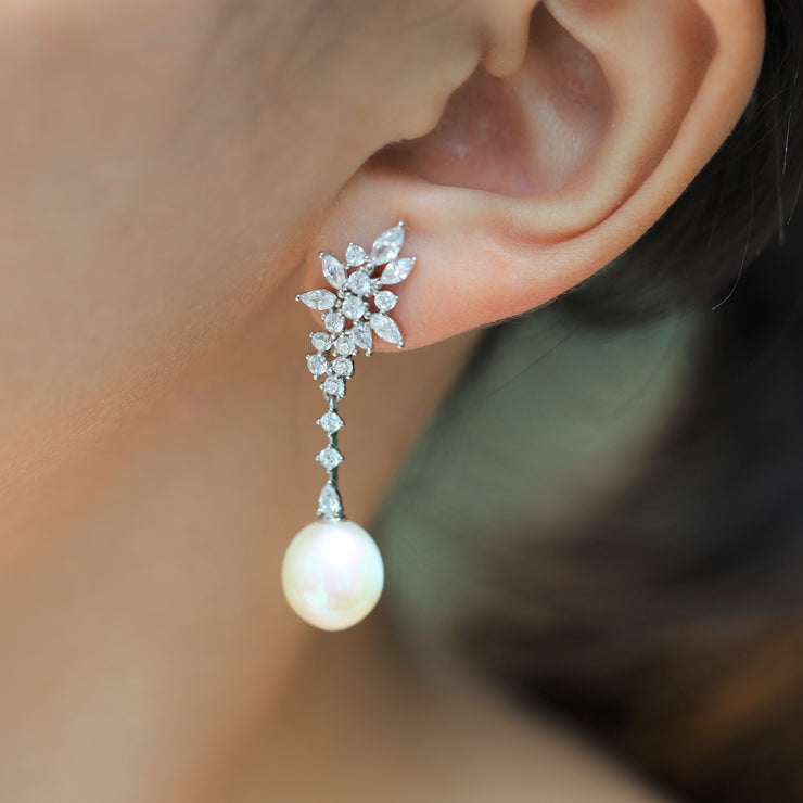 VINTAGE SNOWFLAKE PEARL EARRINGS