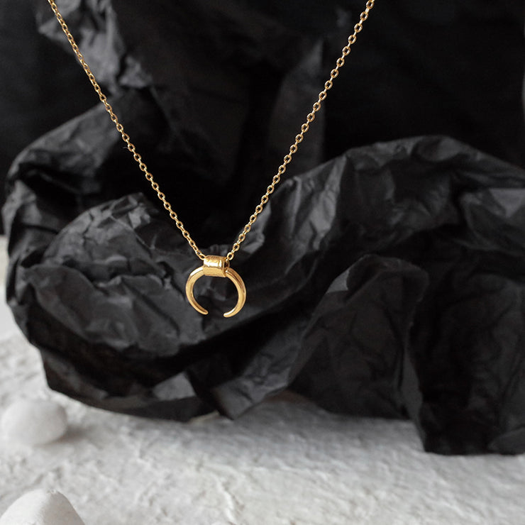 MAGICAL MOON NECKLACE 1.0
