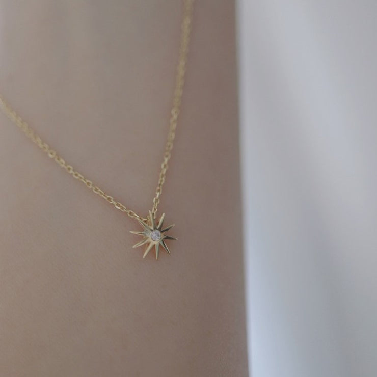 SHINY STAR NECKLACE