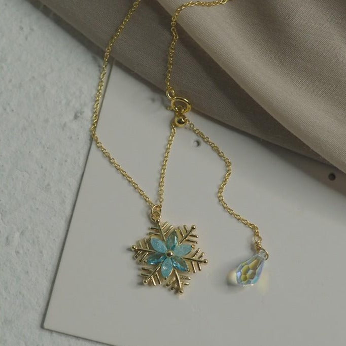 AKA-YUKI NECKLACE