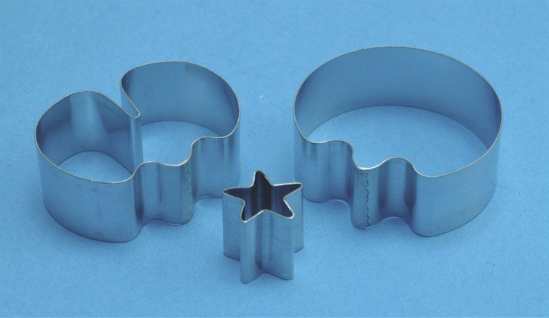 PME 3 Piece Medium Sweet Pea plus Star Calyx Cutters