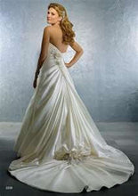 Alfred Angelo Bridal Gown 2228 - Size 14 Ivory