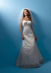 Alfred Angelo 2105 - Size 12 White/Navy - Satin