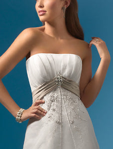 Alfred Angelo 2086 - Size 14 Ivory/Cafe