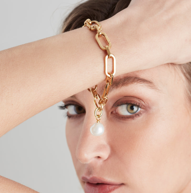 Link Chain Bracelet and Baroque Pearl Charm Gold Set