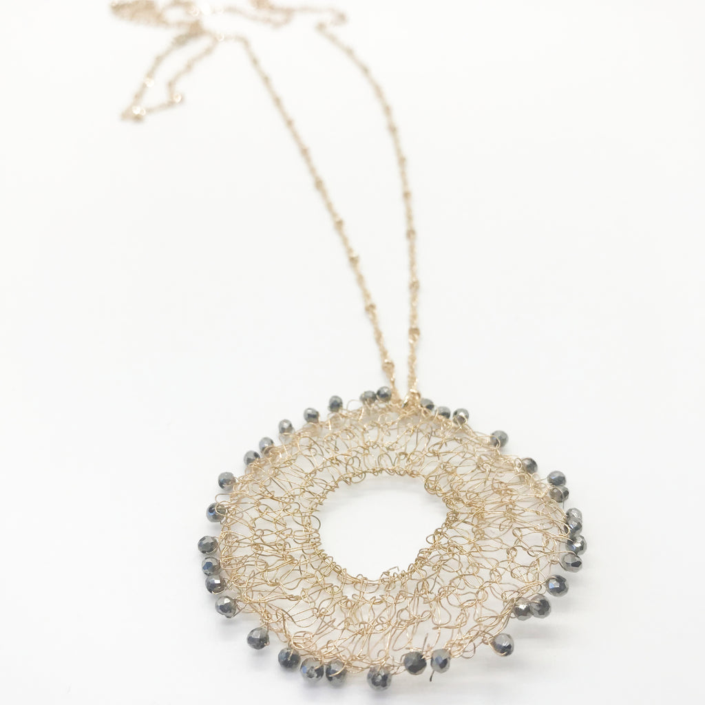 Dainty Wired Disc Necklace-Charcoal