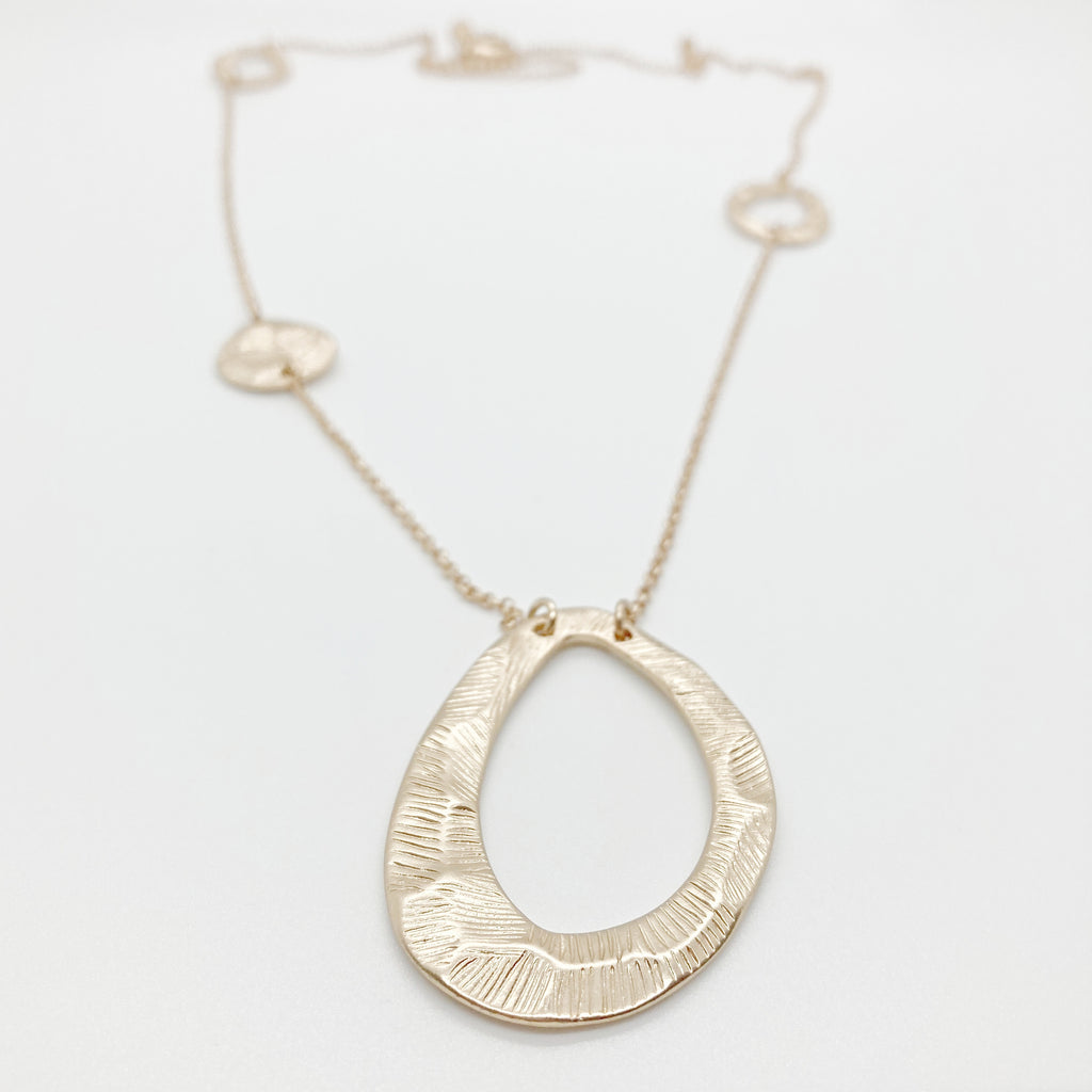 Hammered Oval Pendants Necklace- Gold