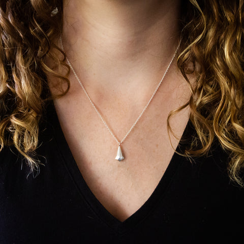 Silver faceted crystal fragment necklace with a diamond