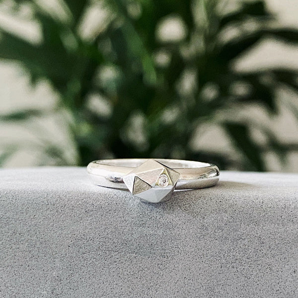 Tiny Fragment Ring with Diamond