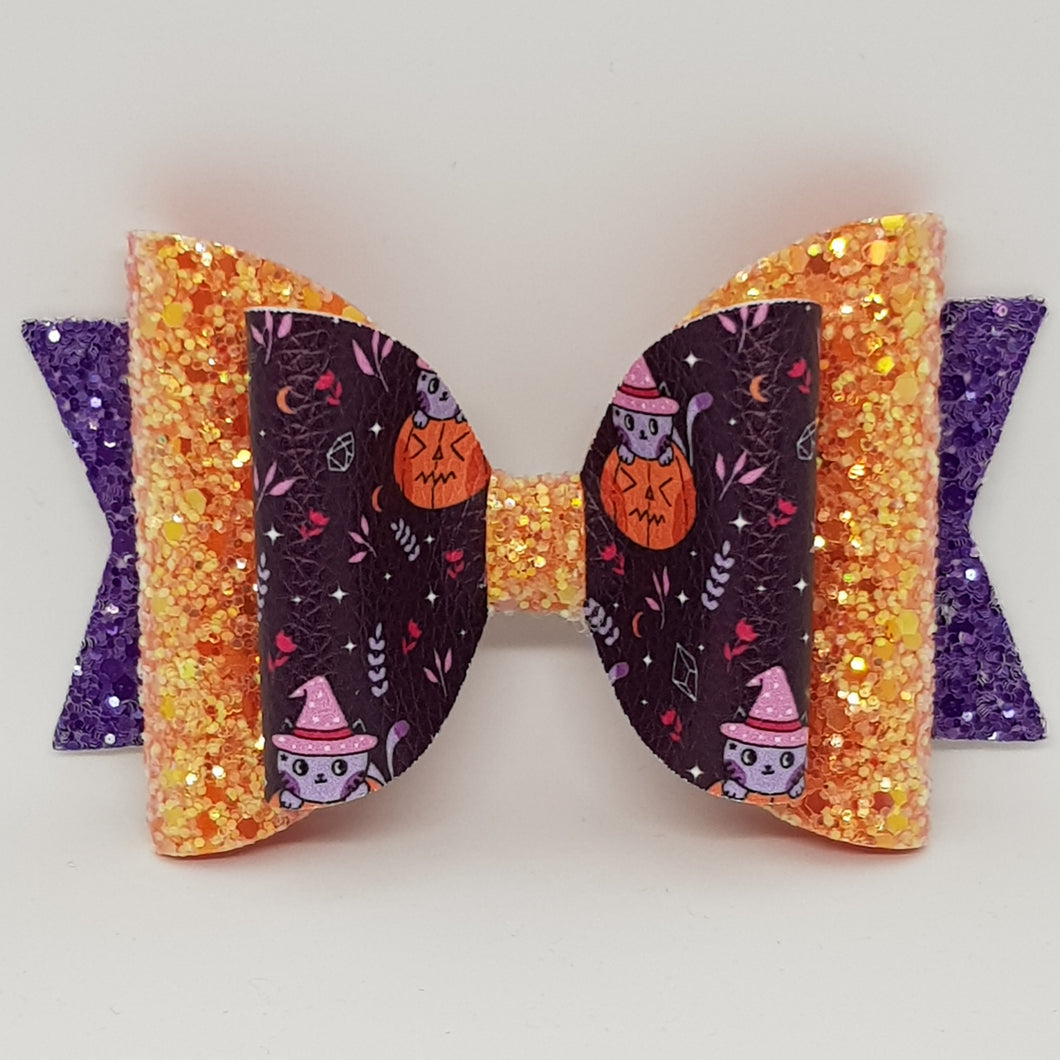 4.3 Inch Natalie Bow - Witches Kitten in Jack O'latern