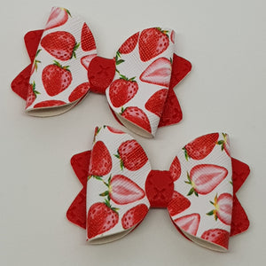 2.5 Inch Ava Leatherette Bow - Strawberry