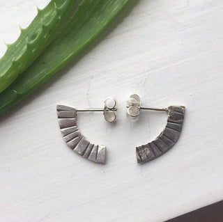 WARRIOR Sterling Silver Quarter Hoop Stud Earrings - Atelier32