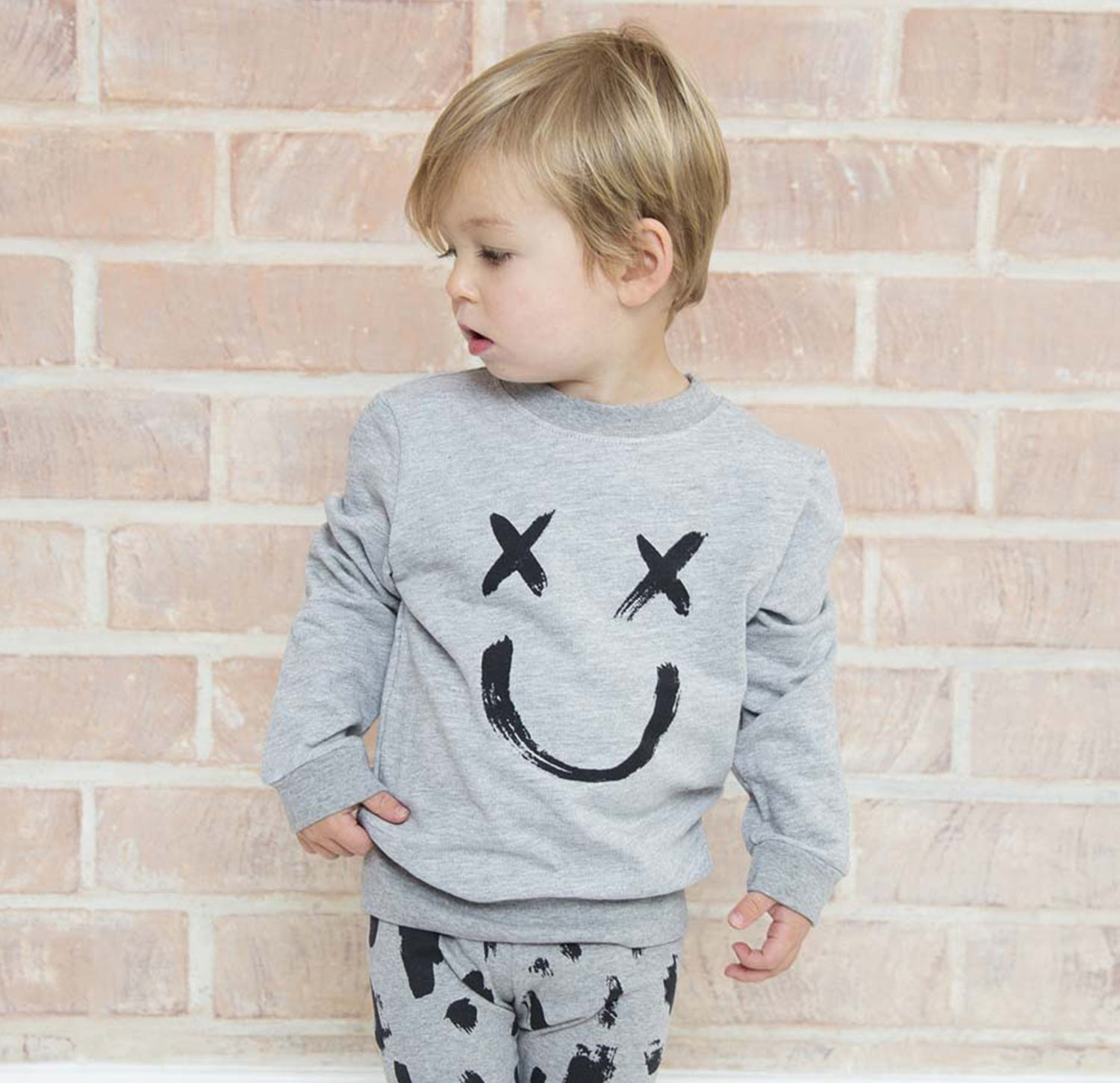 HAPPY FACE Crew Sweatshirt