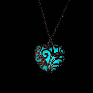 glow in the dark heart necklace white that glows