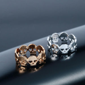 Cute Skull Ring gold and silver top view