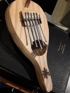 Thumb piano kalimba