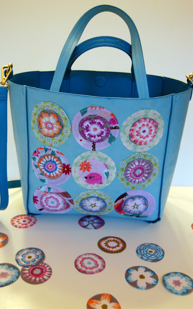 Sew Fabric Circles Onto Tote