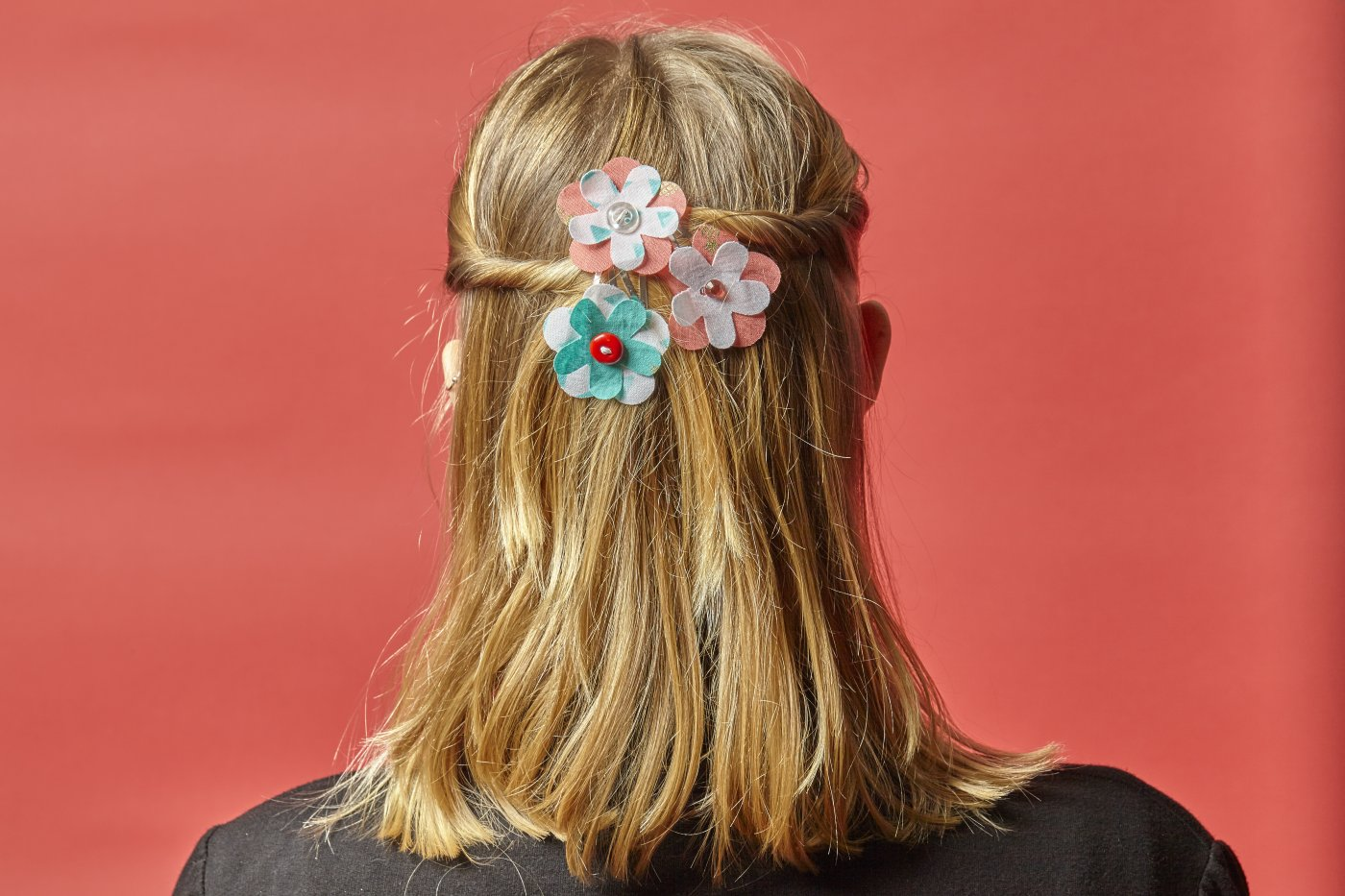 Beautiful Fabric Flowers For Your Hair