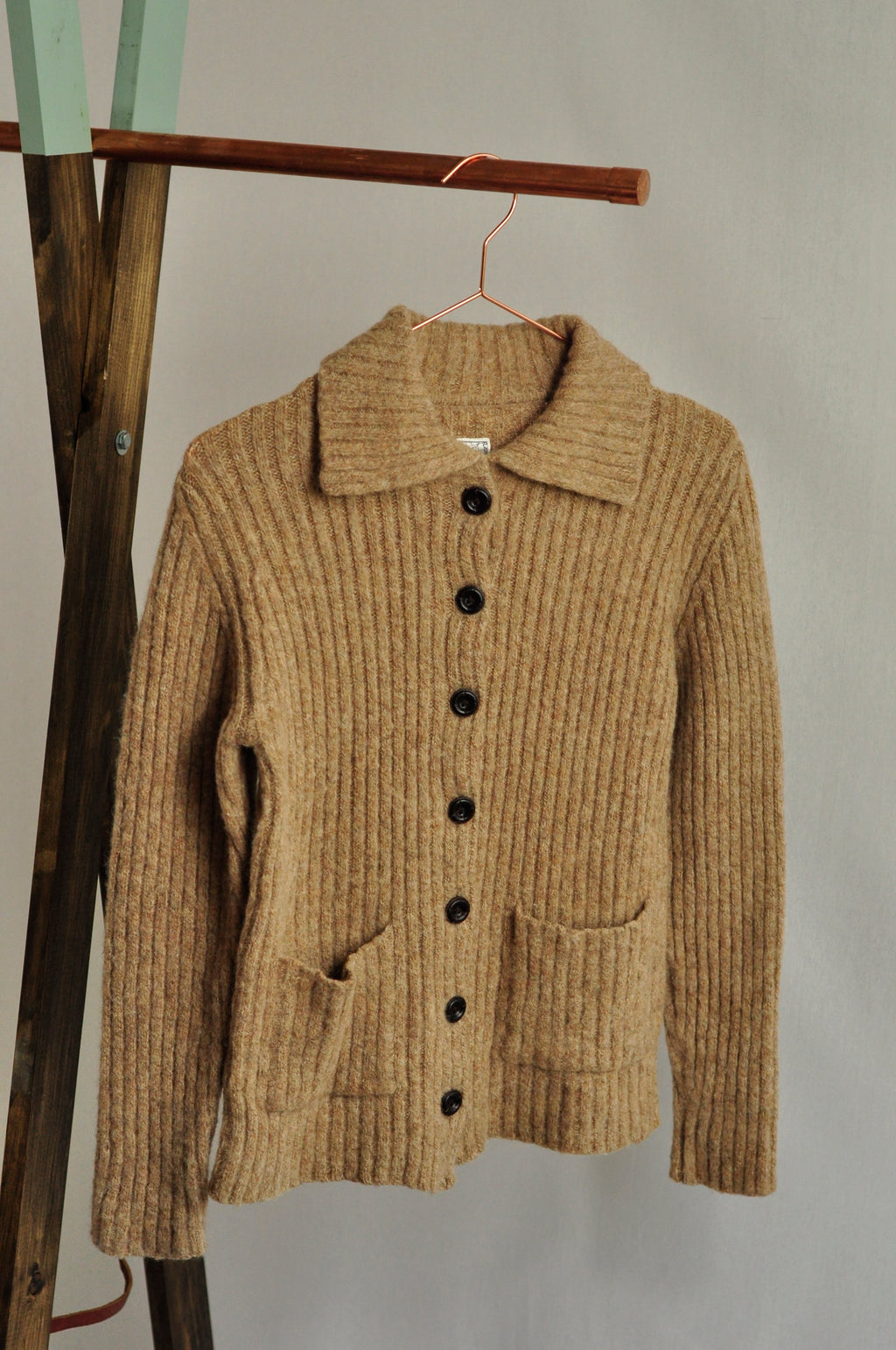 WOOL RIBBED CARDIGAN