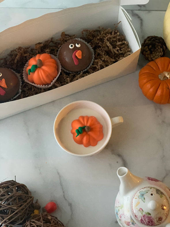 Thanksgiving Hot Chocolate Bombs