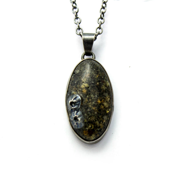 Seashore Pendant - Dark with Small Stones