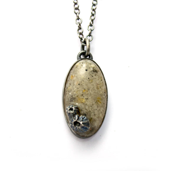 Seashore Pendant - Light with Small Stones