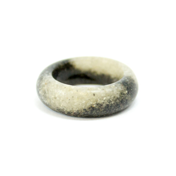 Sand Band Ring - Black and White Sands