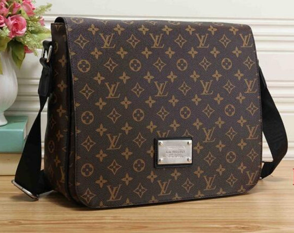 LOUIS VUITTON Mens Handbag